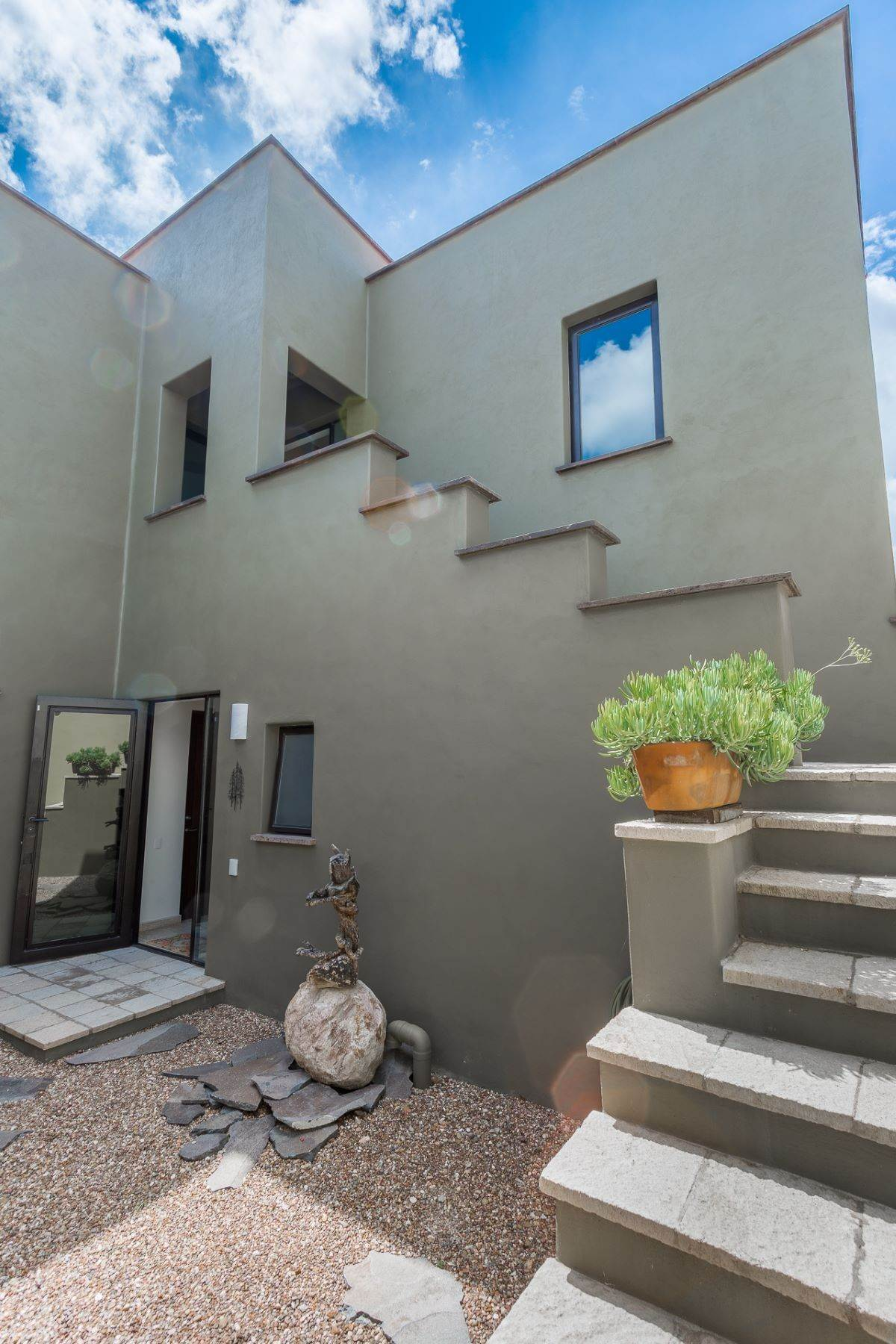 20. Single Family Homes for Sale at Casa Querencia Bugambilia 10 San Miguel De Allende, Guanajuato 37733 Mexico