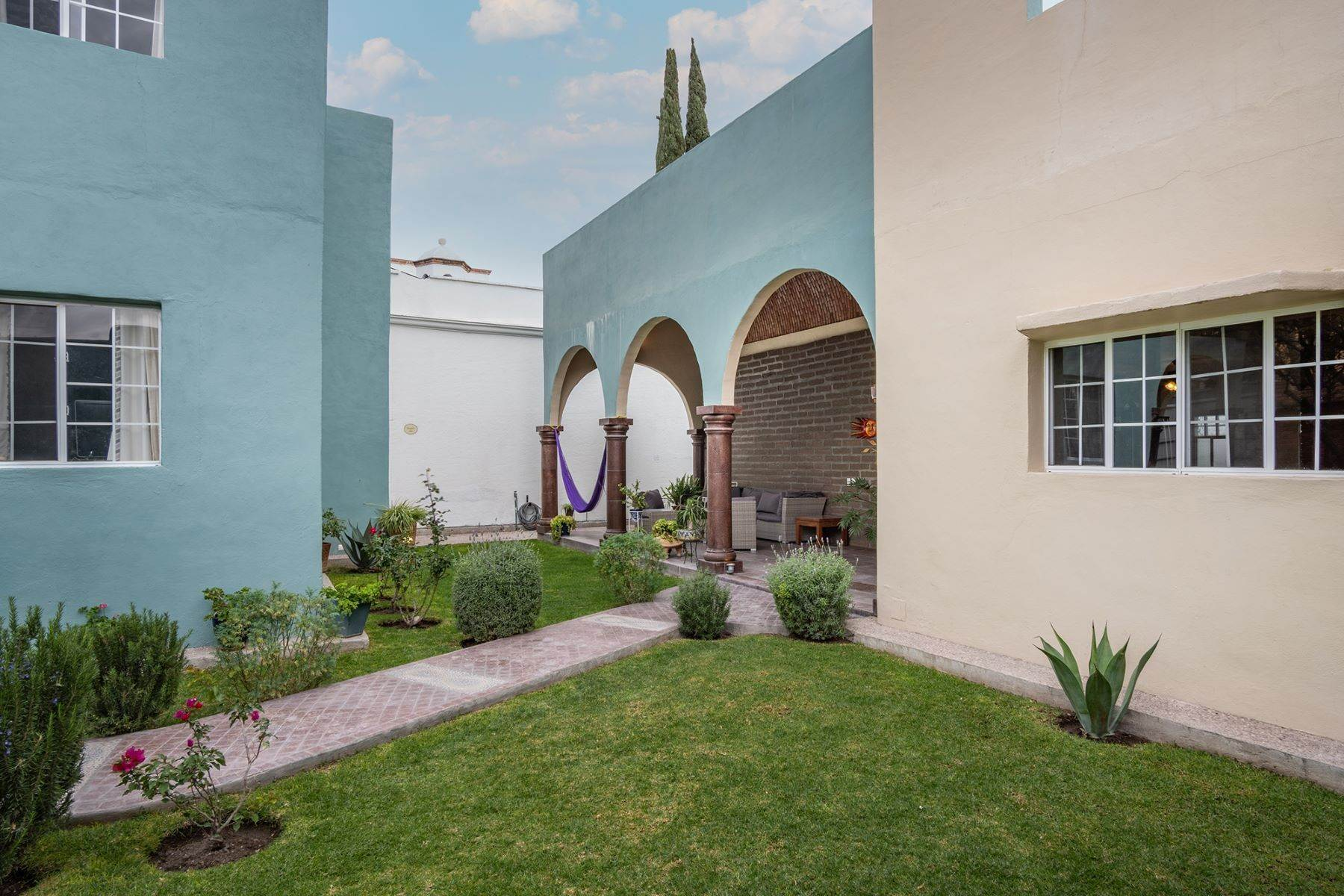 4. Single Family Homes for Sale at Casa Jardin Fray Juan de San Miguel San Miguel De Allende, Guanajuato 37790 Mexico