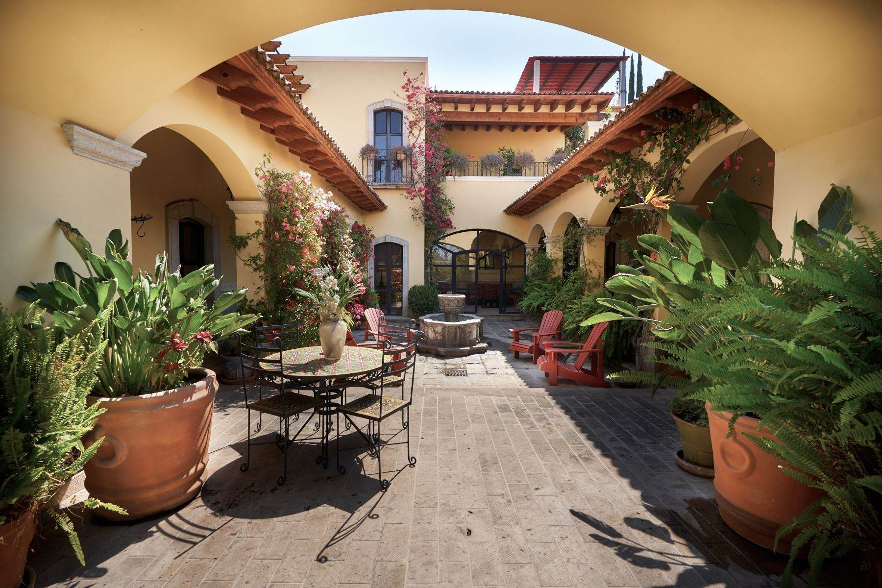 Single Family Homes for Sale at Casa de las Maravillas Sancho Panza 4 San Miguel De Allende, Guanajuato 37720 Mexico