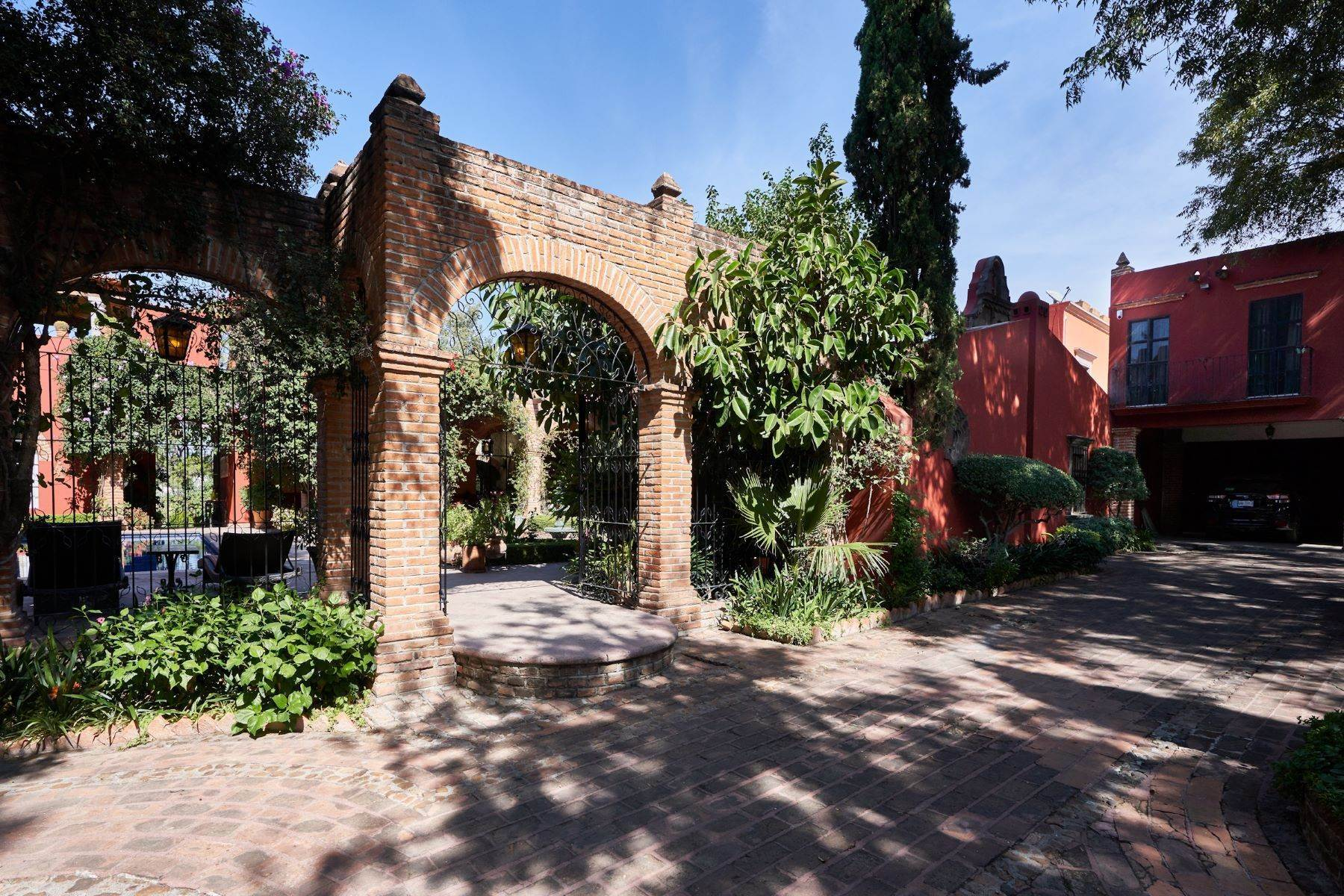 13. Single Family Homes for Sale at Casa de la Luz San Miguel De Allende, Guanajuato 37700 Mexico