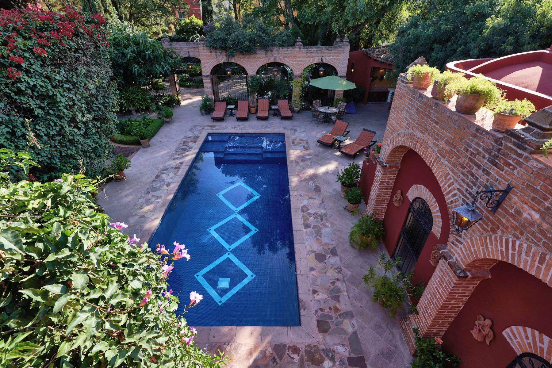 5. Single Family Homes for Sale at Casa de la Luz San Miguel De Allende, Guanajuato 37700 Mexico