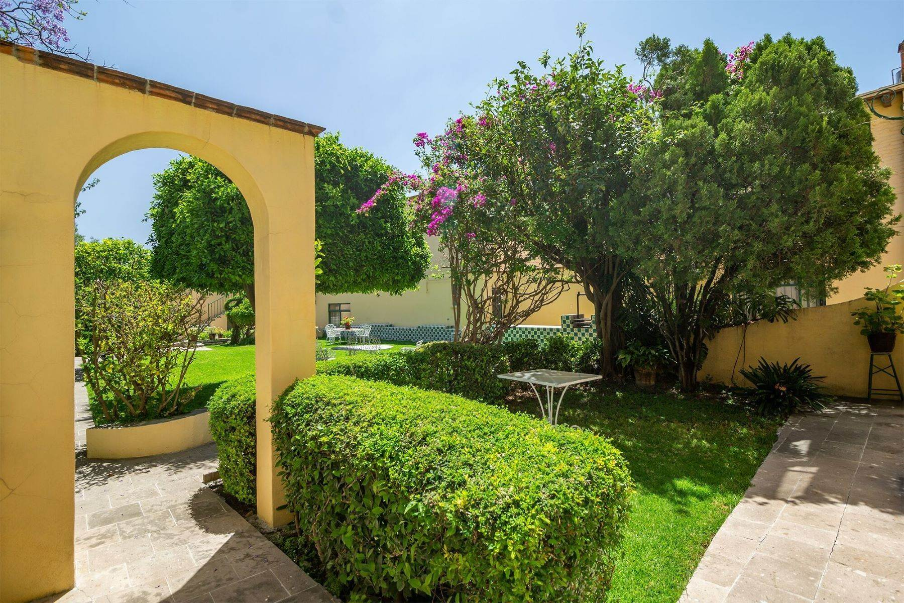 16. Other Residential Homes for Sale at Colonial Bungalows Recreo San Miguel De Allende, Guanajuato 37700 Mexico