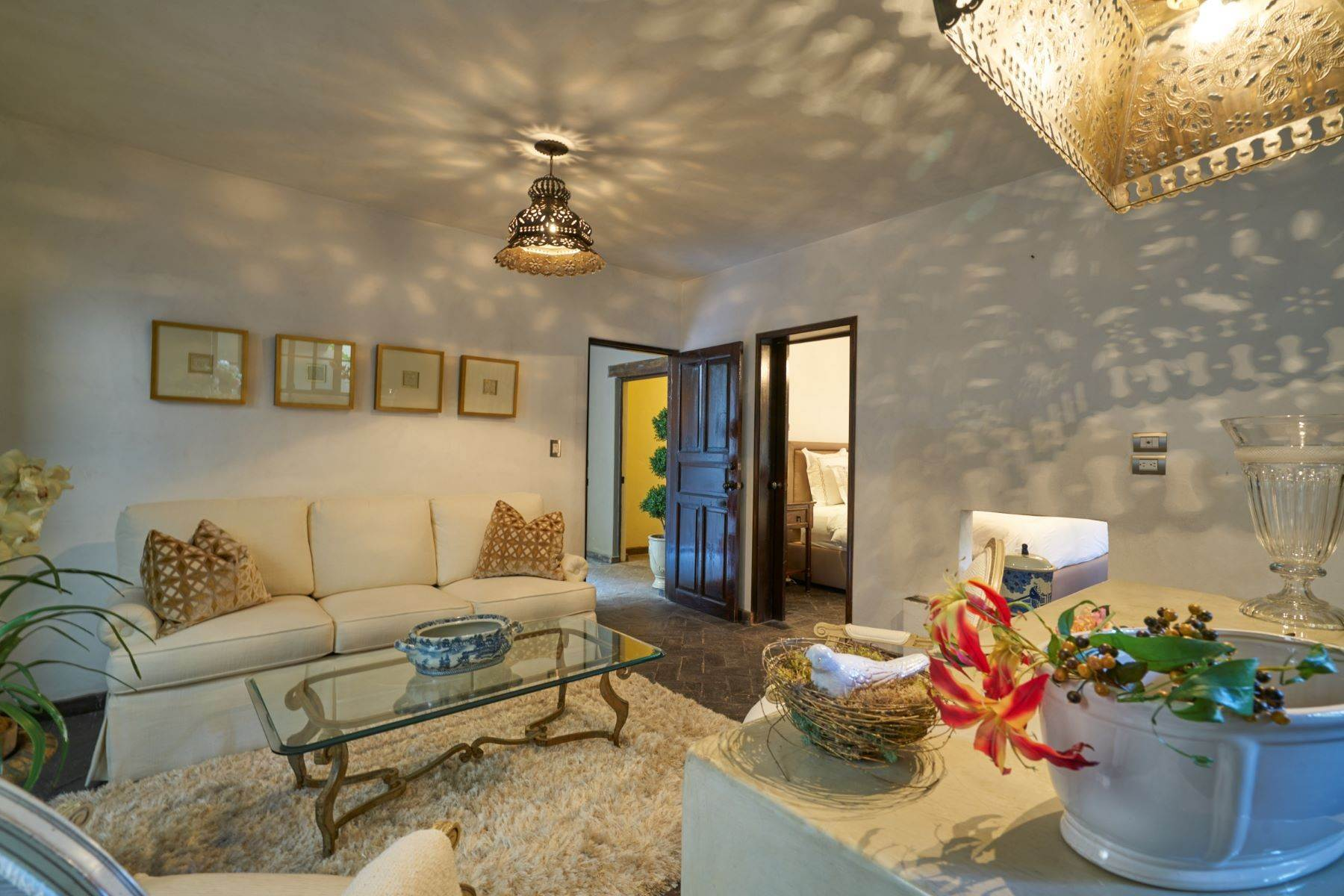 26. Single Family Homes for Sale at Casa Shangri-La Moras 3 B San Miguel De Allende, Guanajuato 37700 Mexico