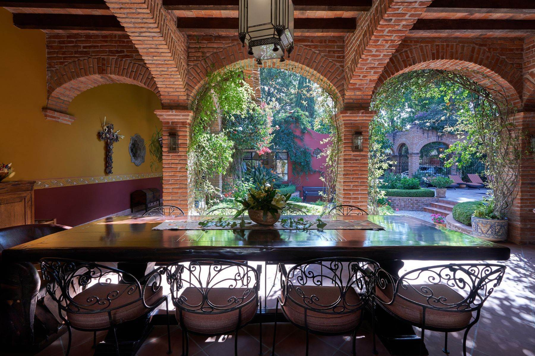 11. Single Family Homes for Sale at Casa de la Luz San Miguel De Allende, Guanajuato 37700 Mexico