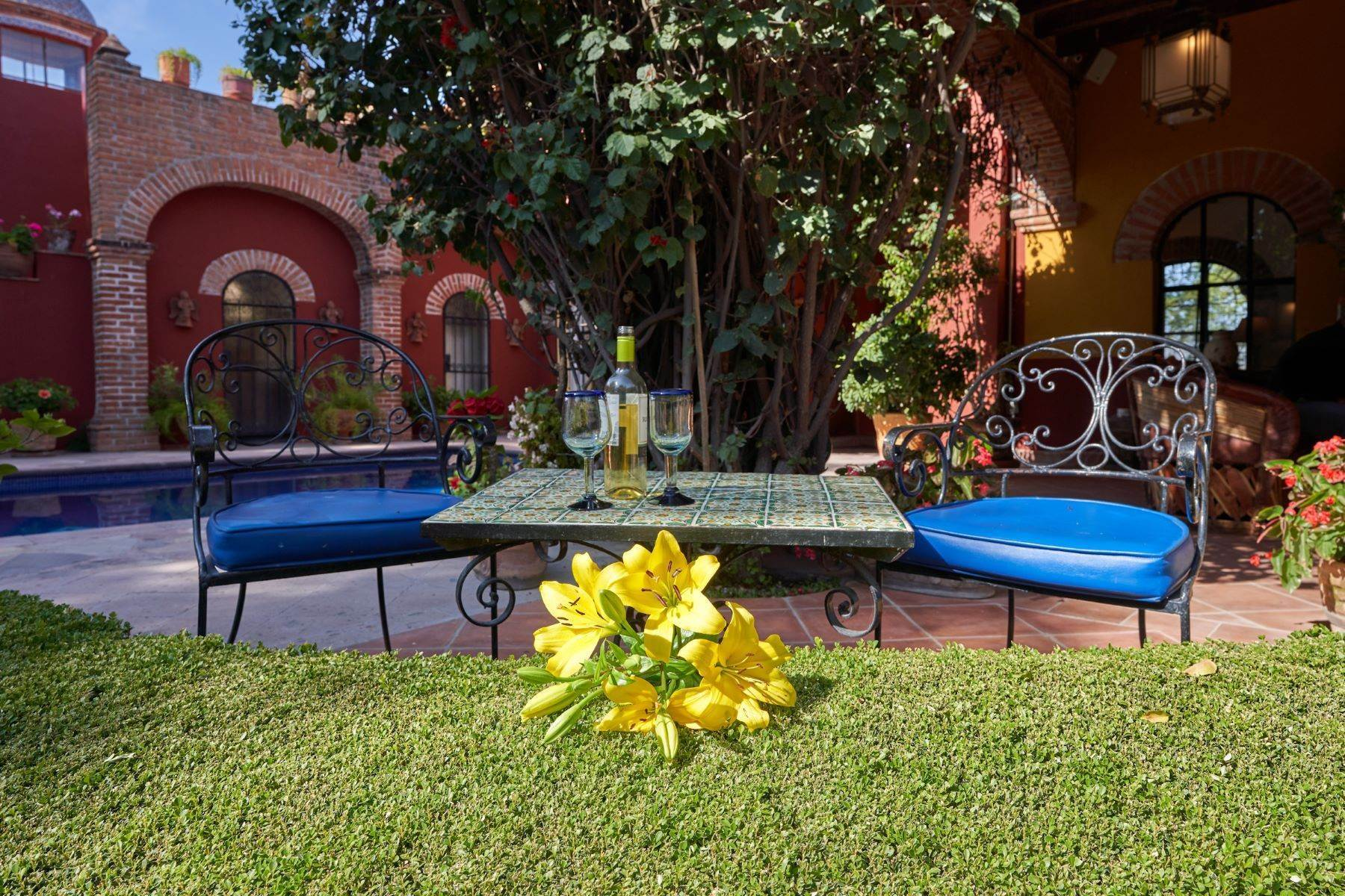 8. Single Family Homes for Sale at Casa de la Luz San Miguel De Allende, Guanajuato 37700 Mexico