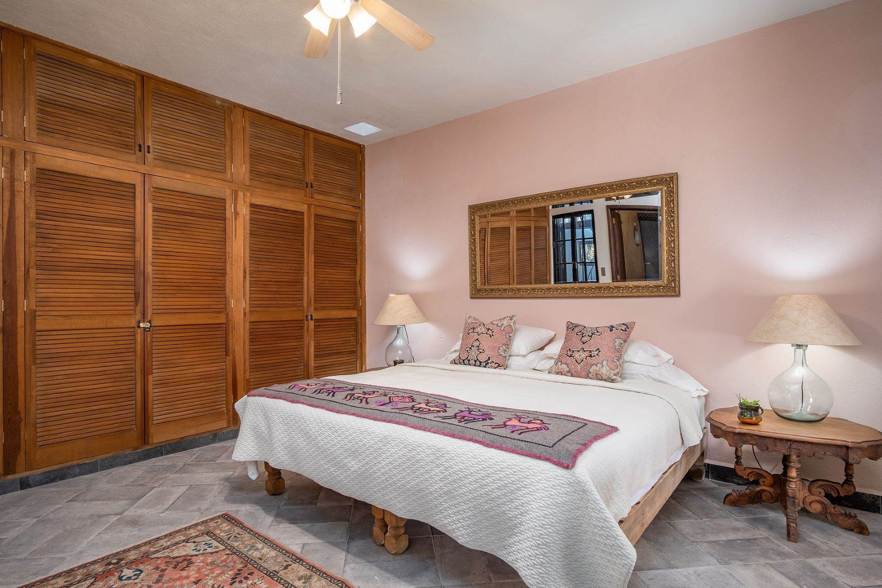 13. Single Family Homes for Sale at Casa Jacarandas Hernandez Macias San Miguel De Allende, Guanajuato 37700 Mexico