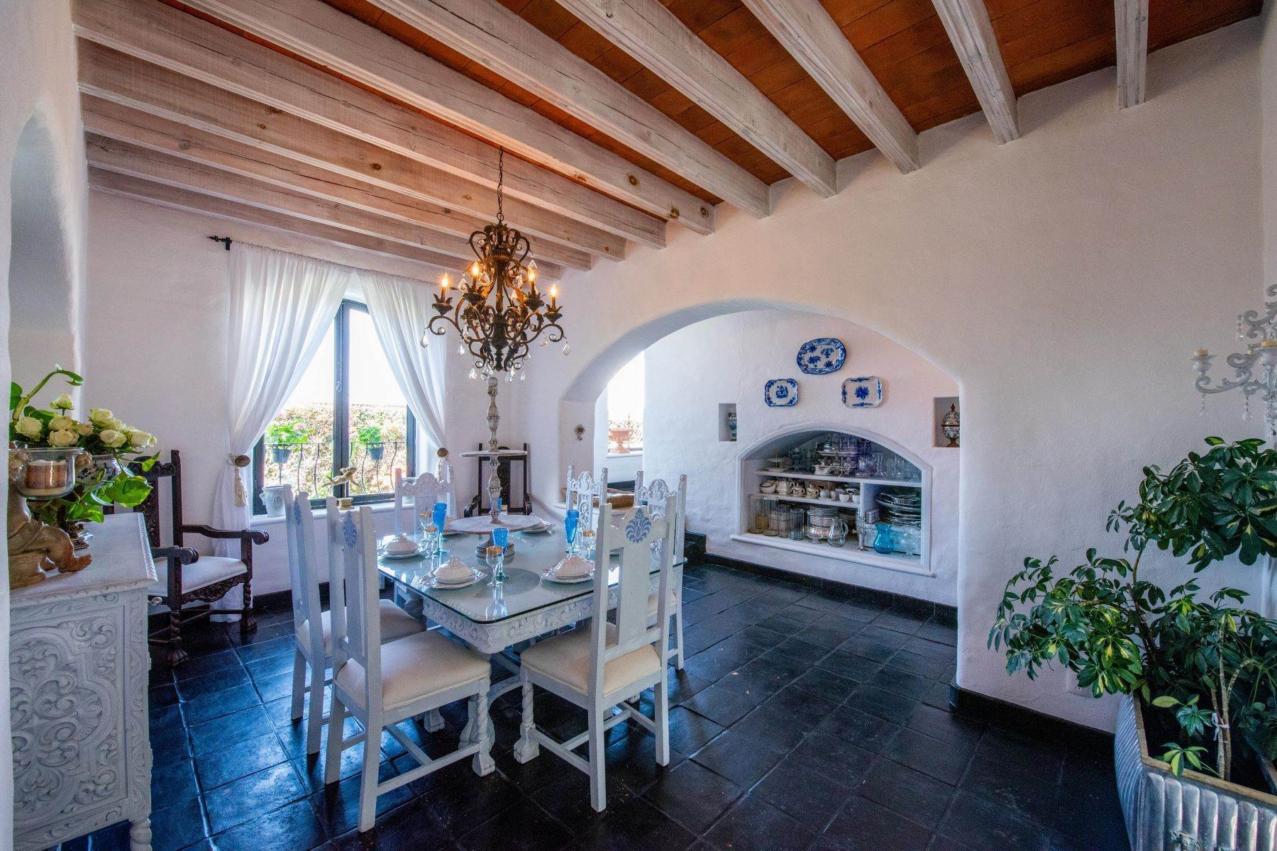 28. Single Family Homes for Sale at Casa Mi Besito Atascadero, San Miguel De Allende, Guanajuato Mexico