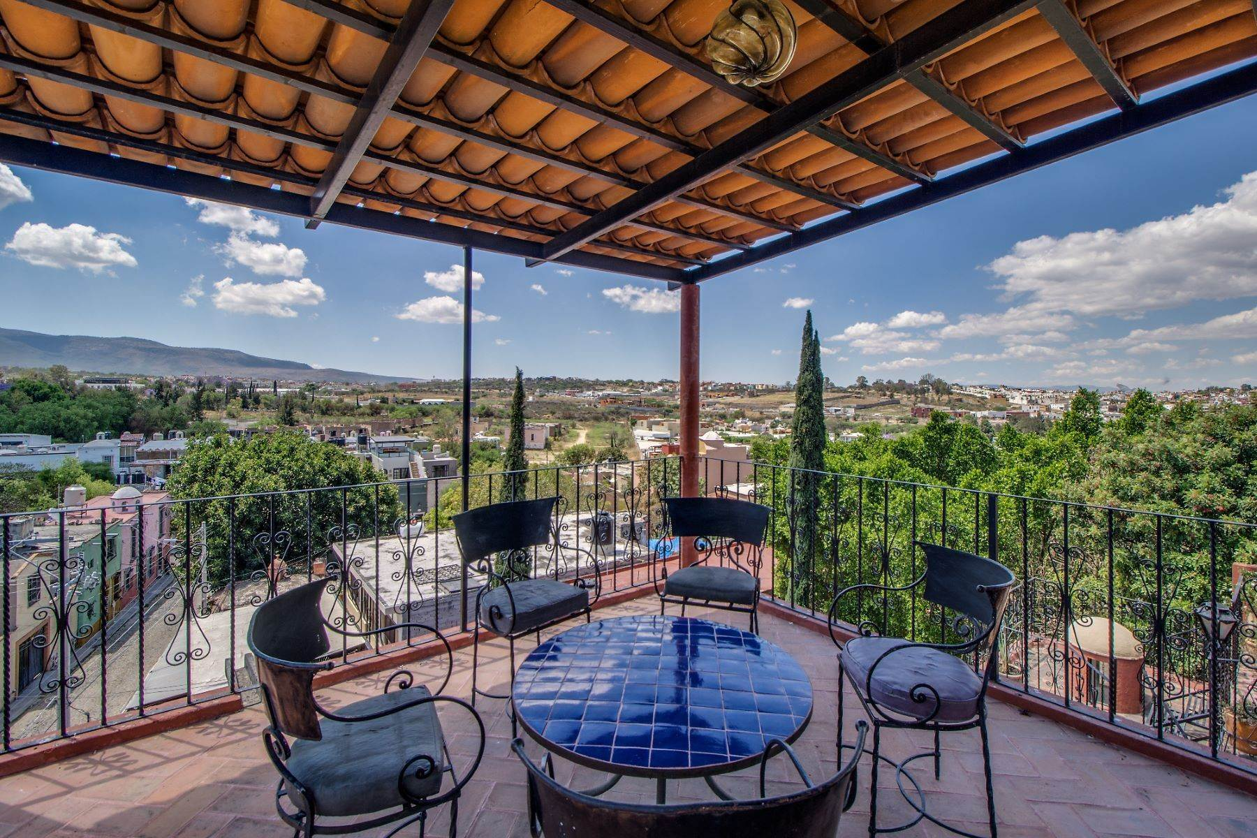 26. Single Family Homes for Sale at Casa Christina San Antonio, San Miguel De Allende, Guanajuato Mexico