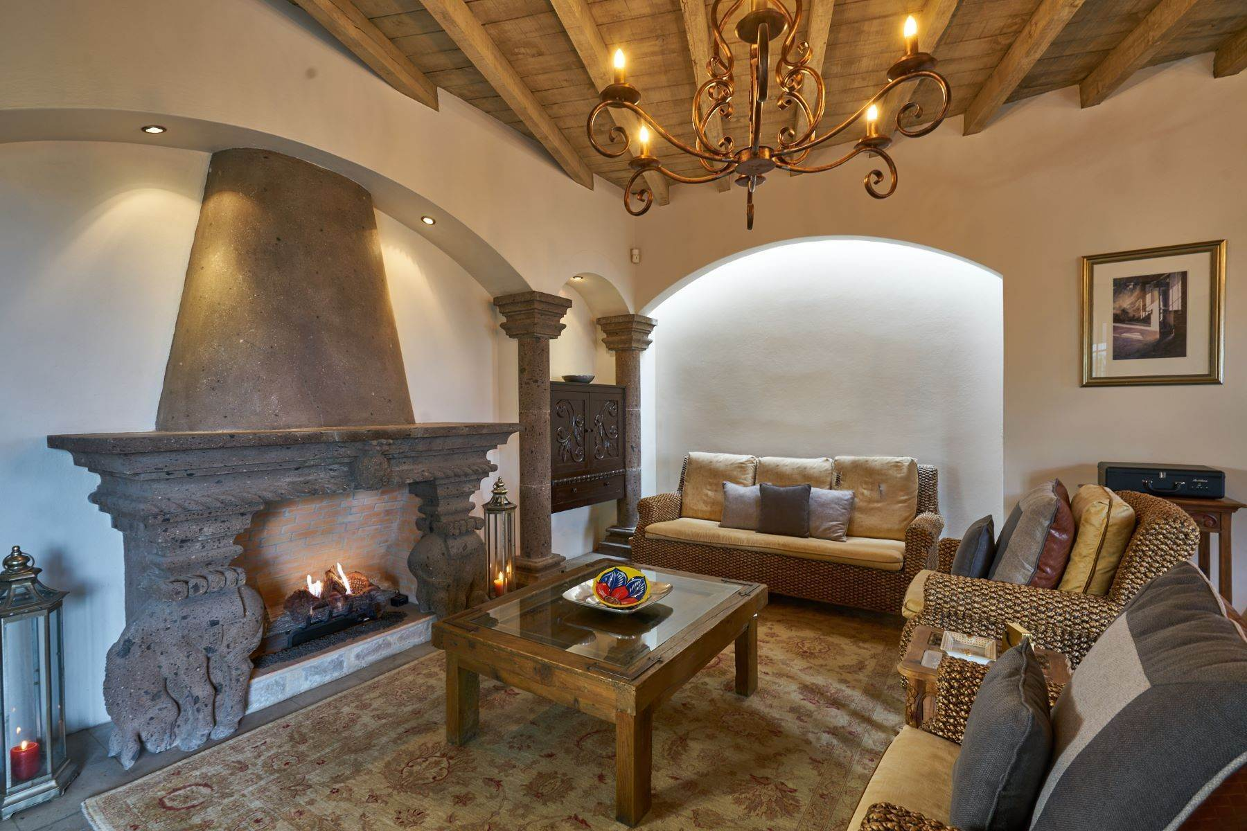 Single Family Homes for Sale at Casa Celeste Camino Real a Xichu #35 San Miguel De Allende, Guanajuato 37777 Mexico