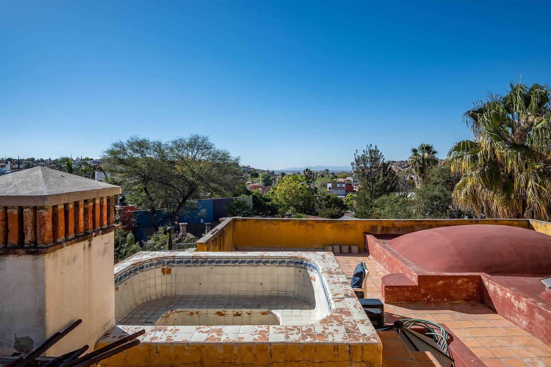22. Single Family Homes for Sale at Pila Seca 2B, Centro Histórico San Miguel De Allende, Guanajuato 37700 Mexico