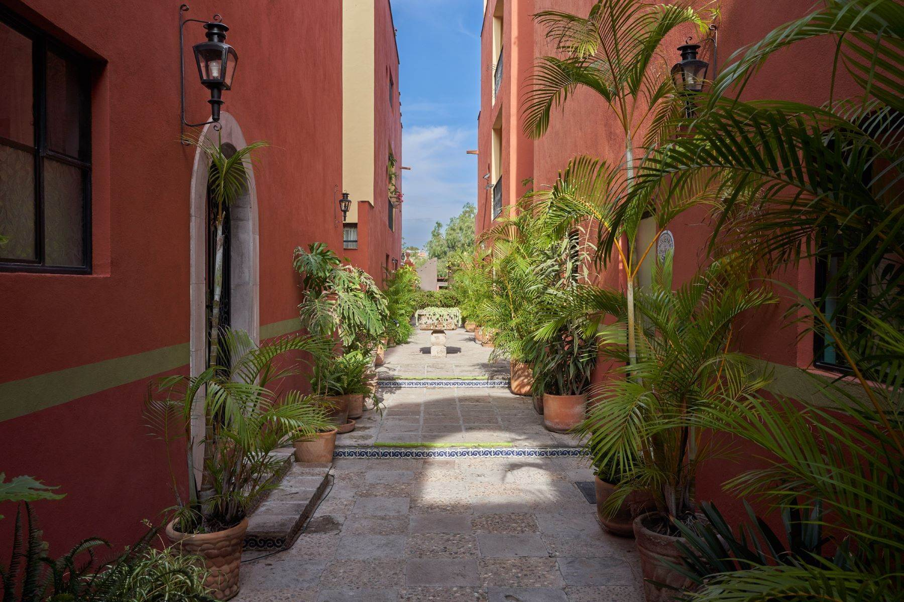 Single Family Homes for Sale at Casa Alameda Alameda 1E #3, Colonia San Antonio San Miguel De Allende, Guanajuato 37750 Mexico