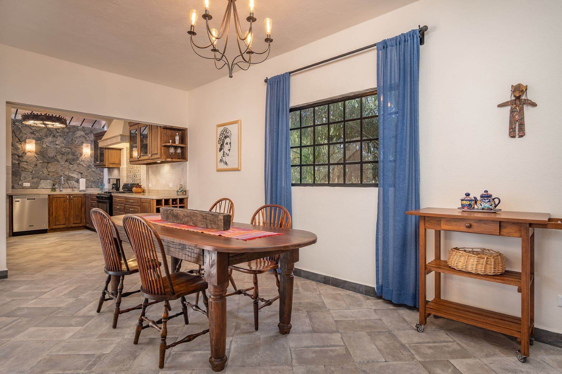 9. Single Family Homes for Sale at Casa Jacarandas Hernandez Macias San Miguel De Allende, Guanajuato 37700 Mexico