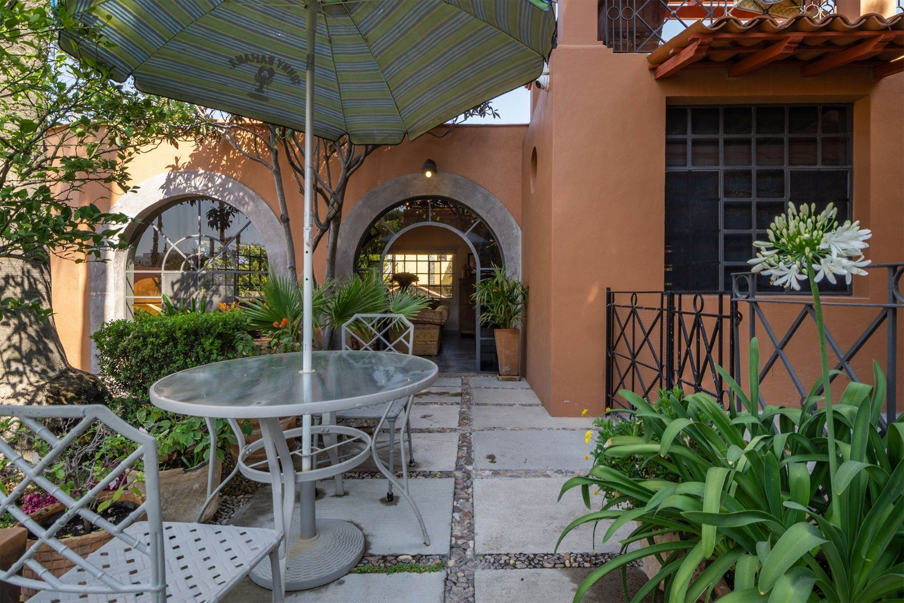 38. Single Family Homes for Sale at Casa Alegre Montitlan San Miguel De Allende, Guanajuato 37720 Mexico