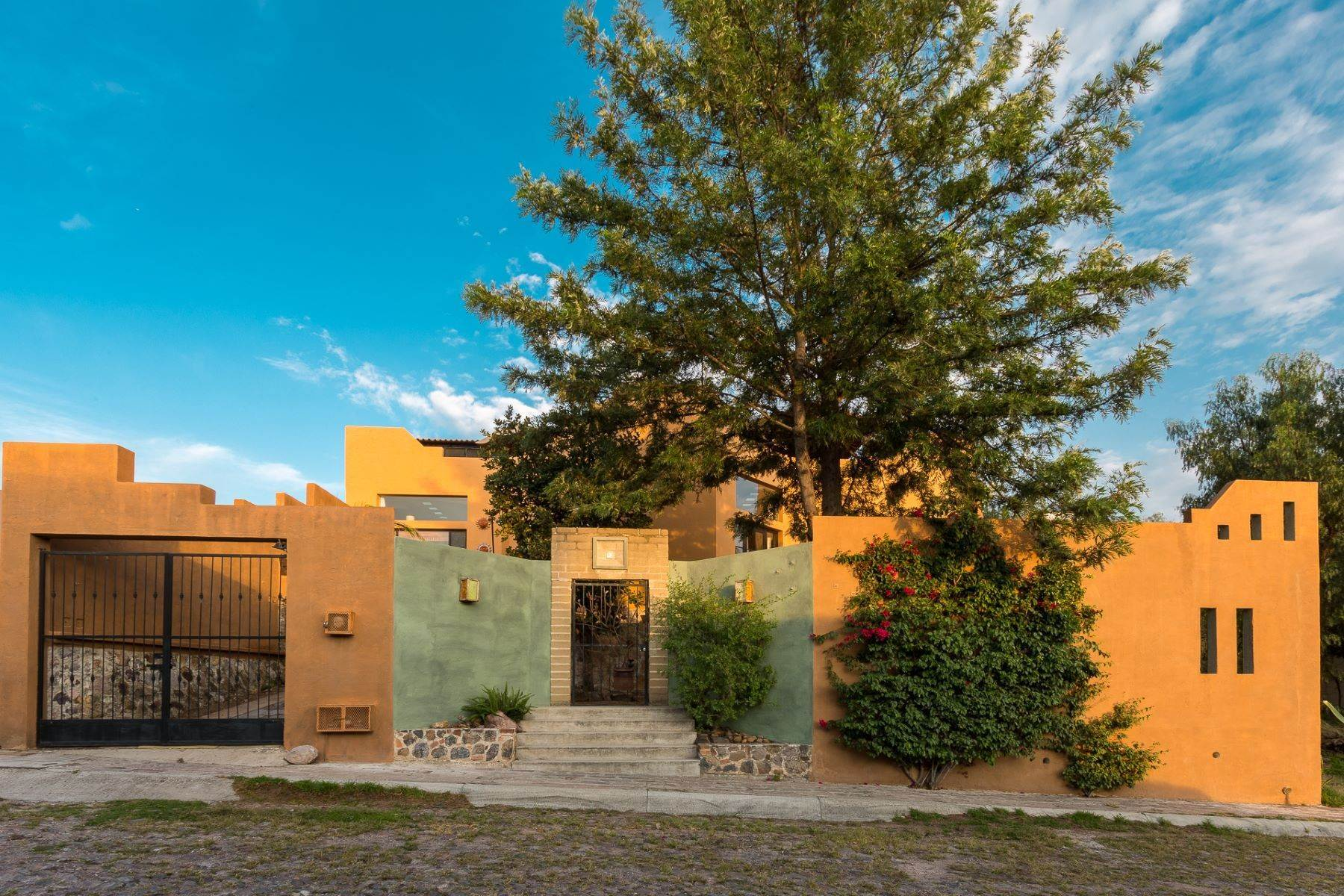 Single Family Homes for Sale at Casa Tecolote Fray Anemizur 6 San Miguel De Allende, Guanajuato 37720 Mexico