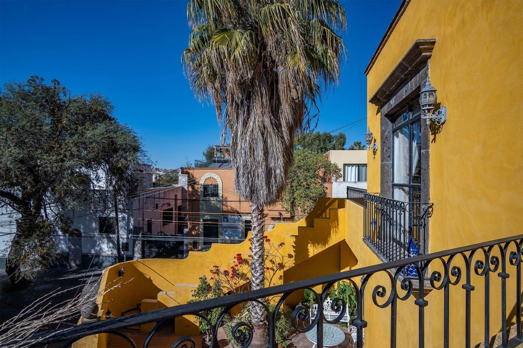 3. Single Family Homes for Sale at Pila Seca 2B, Centro Histórico San Miguel De Allende, Guanajuato 37700 Mexico
