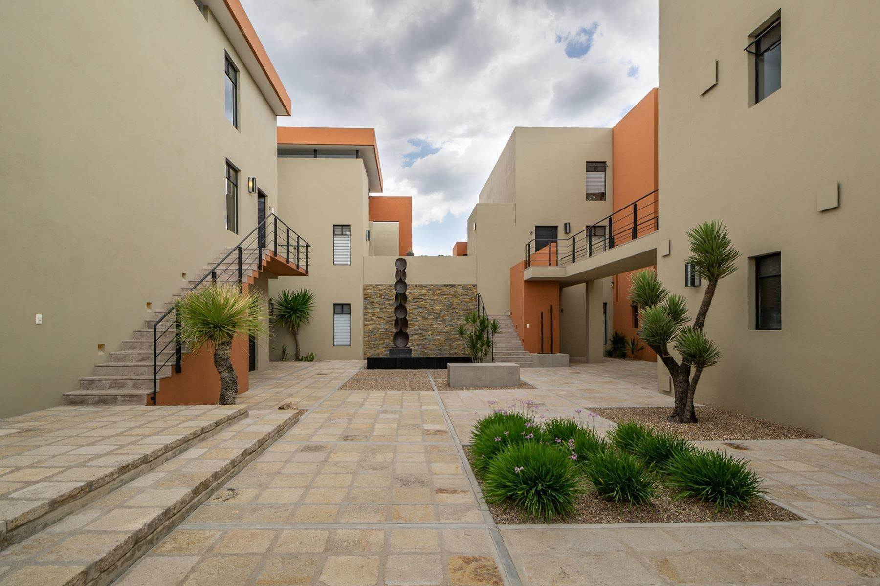 22. Single Family Homes for Sale at Chimal Loft Miguel Araujo 1B San Miguel De Allende, Guanajuato 37700 Mexico