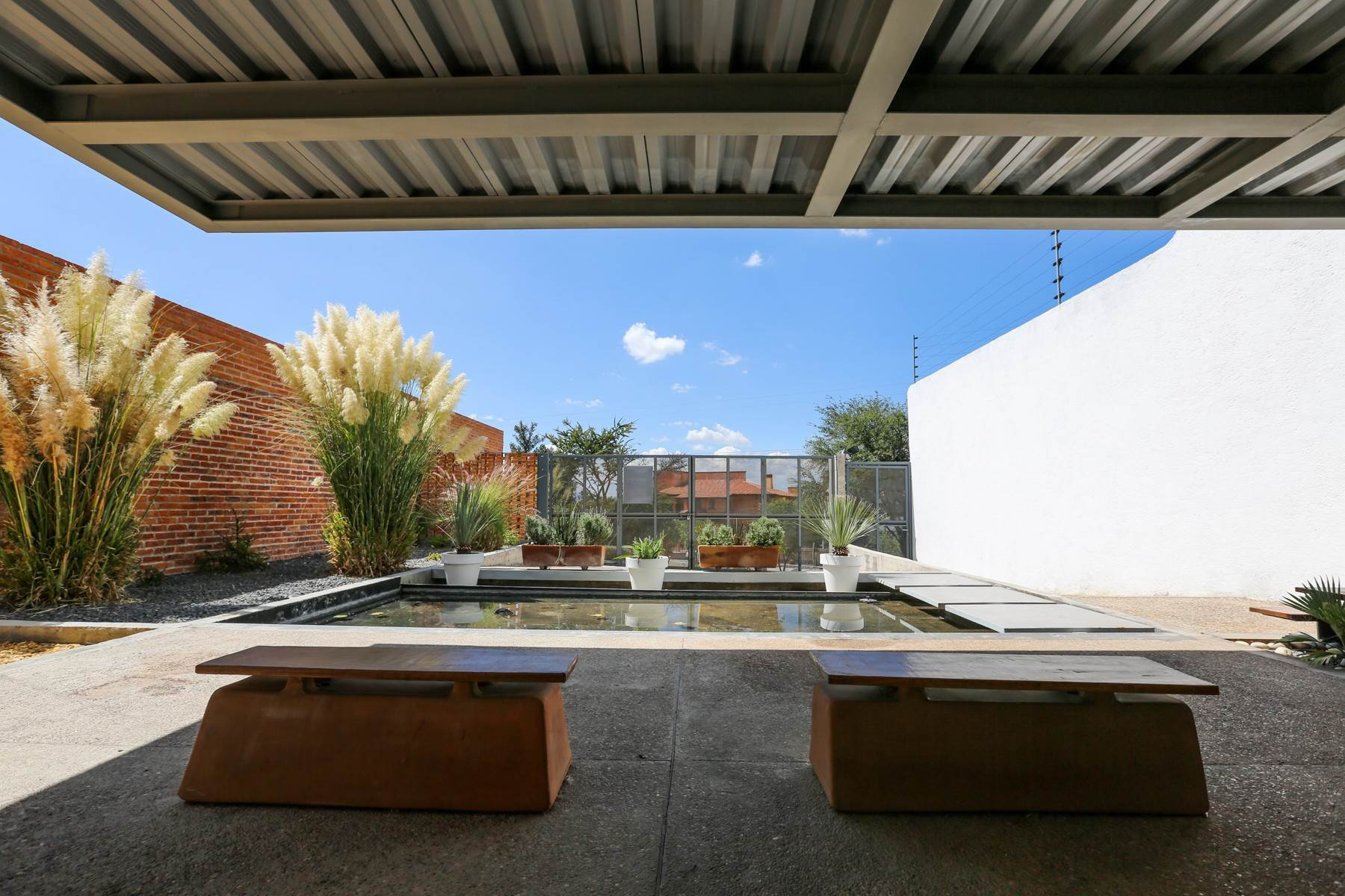 23. Single Family Homes for Sale at Casa Bicocca Calle Carreta 11 San Miguel De Allende, Guanajuato 37790 Mexico