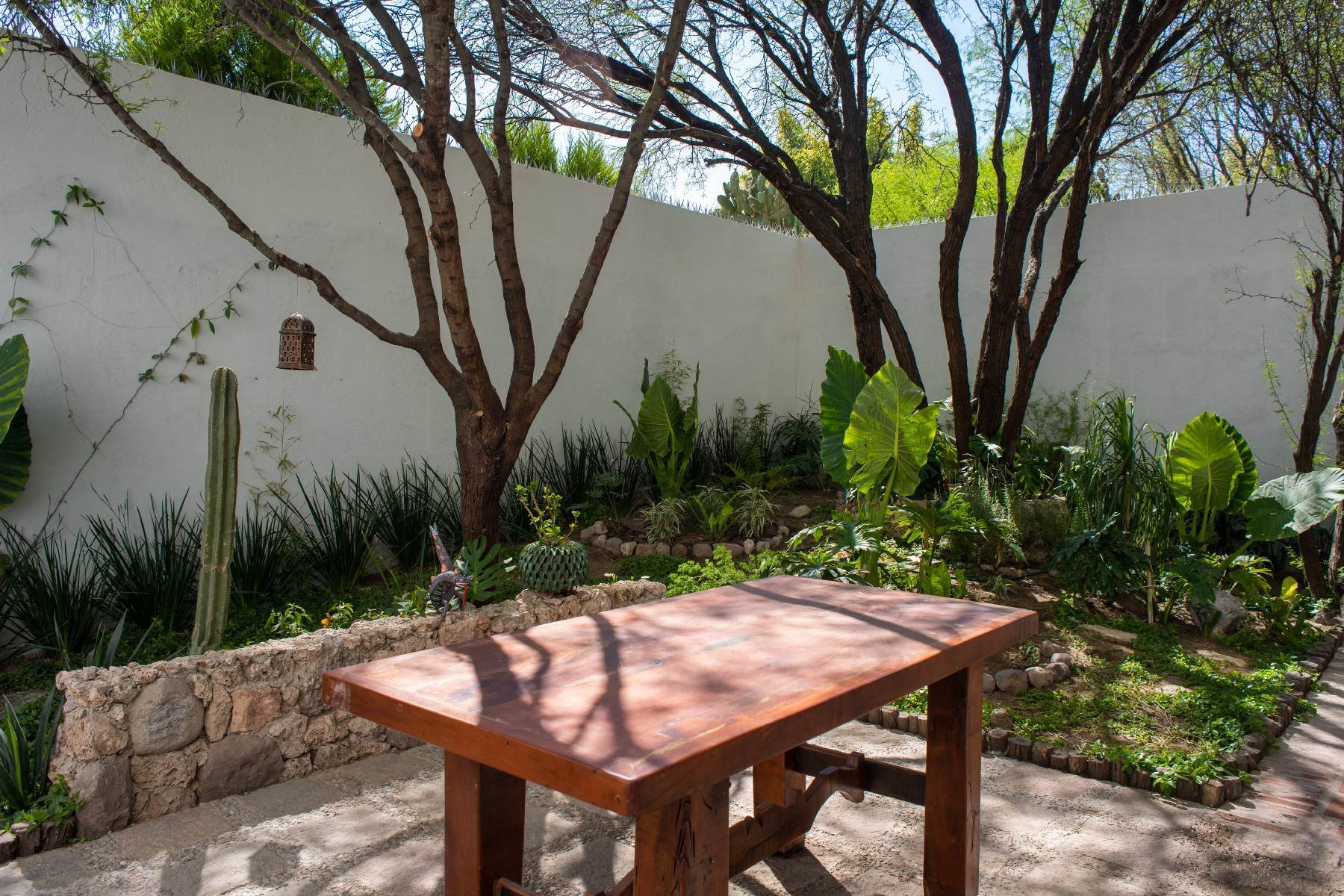 25. Single Family Homes for Sale at Casa Atardeceres Calle de la Presa 6 San Miguel De Allende, Guanajuato 37700 Mexico