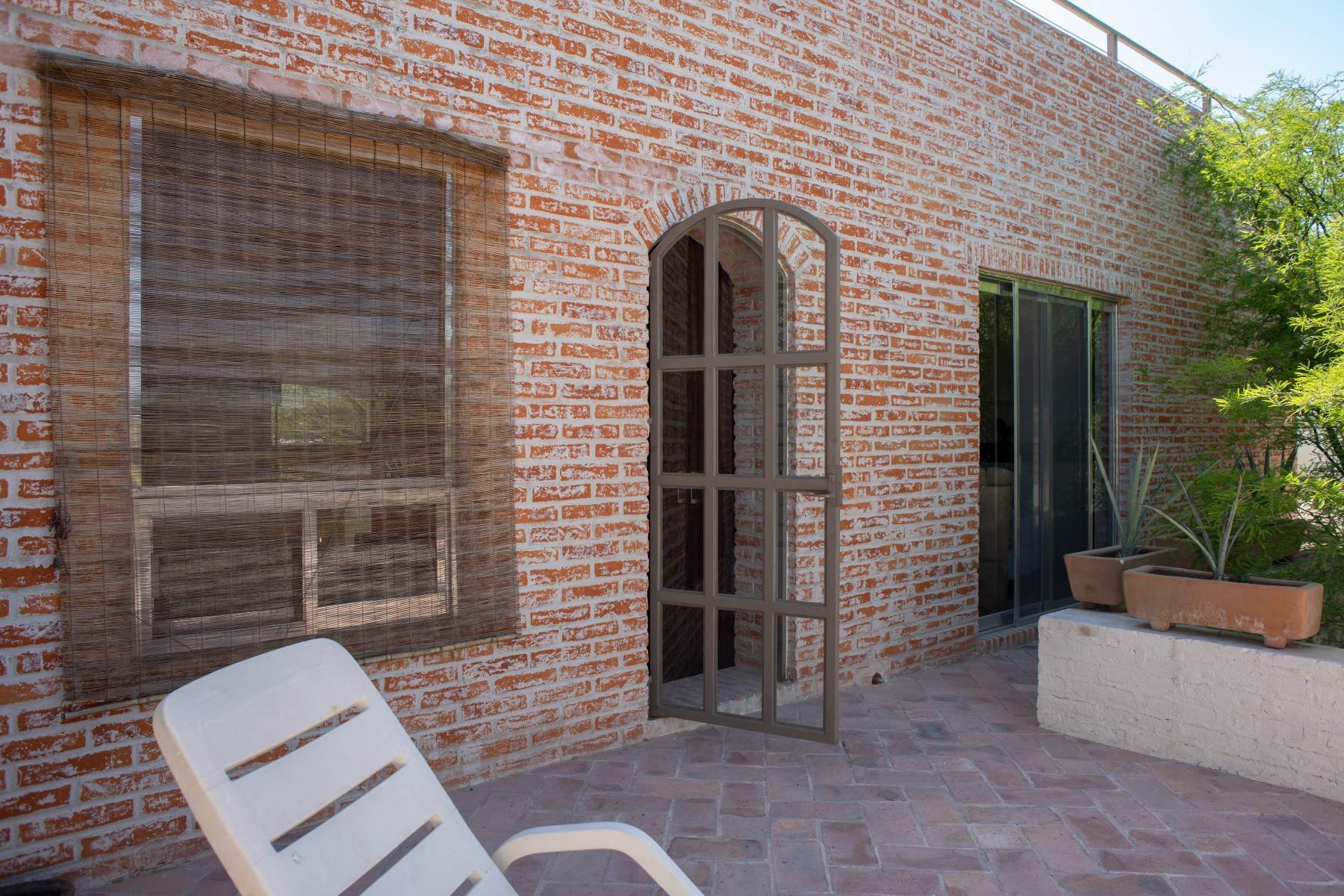 49. Single Family Homes for Sale at Casa Atardeceres Calle de la Presa 6 San Miguel De Allende, Guanajuato 37700 Mexico