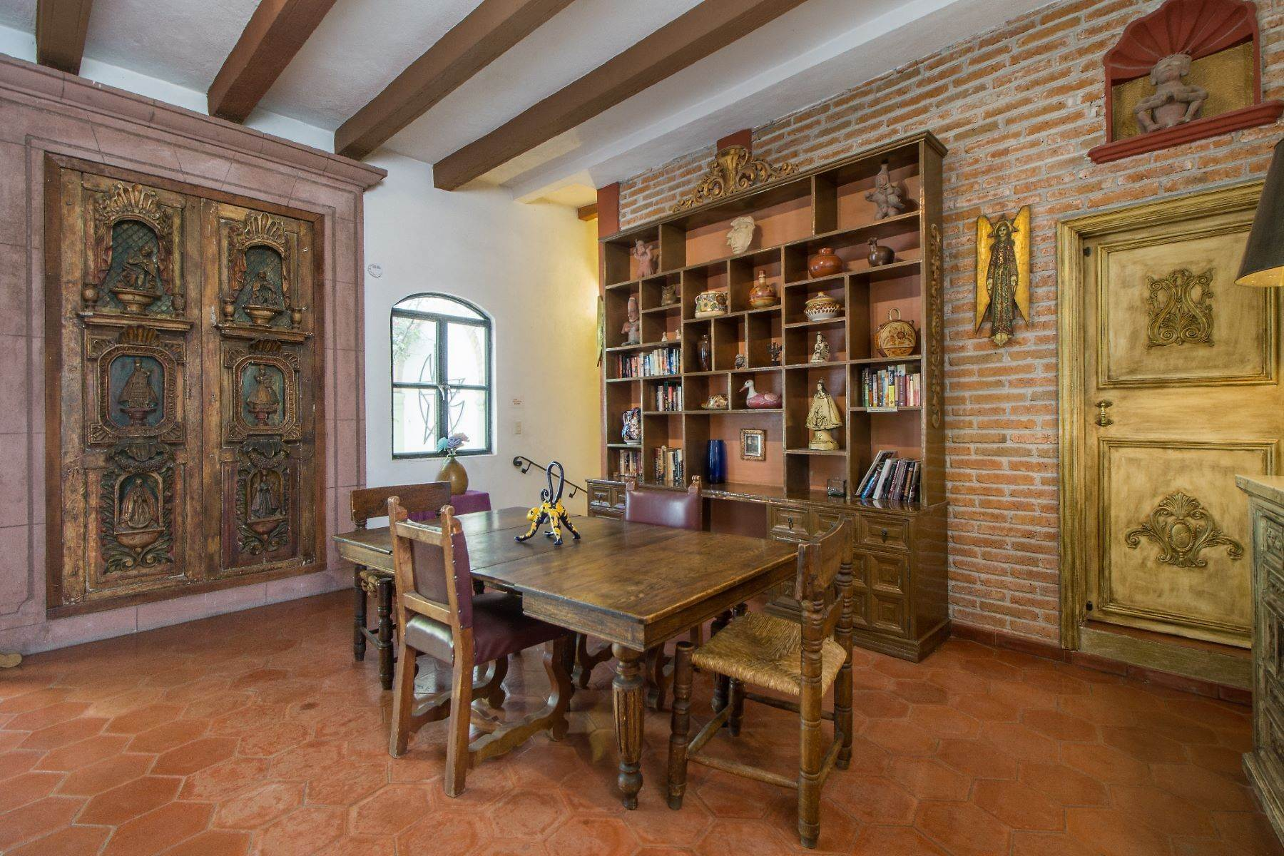 6. Single Family Homes for Sale at Casa Christina San Antonio, San Miguel De Allende, Guanajuato Mexico