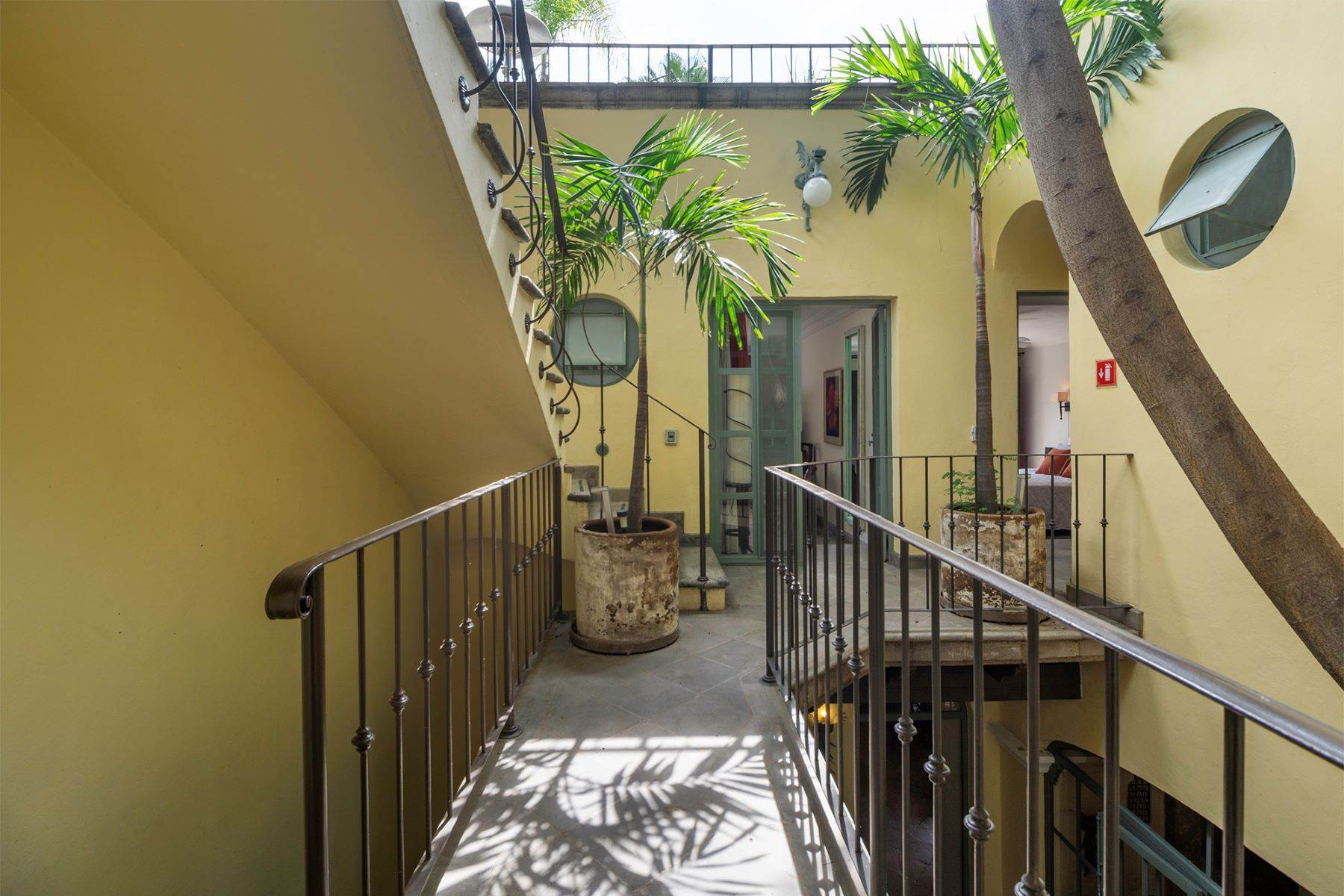15. Single Family Homes for Sale at Casa Florida Hernandez Macias San Miguel De Allende, Guanajuato 37700 Mexico