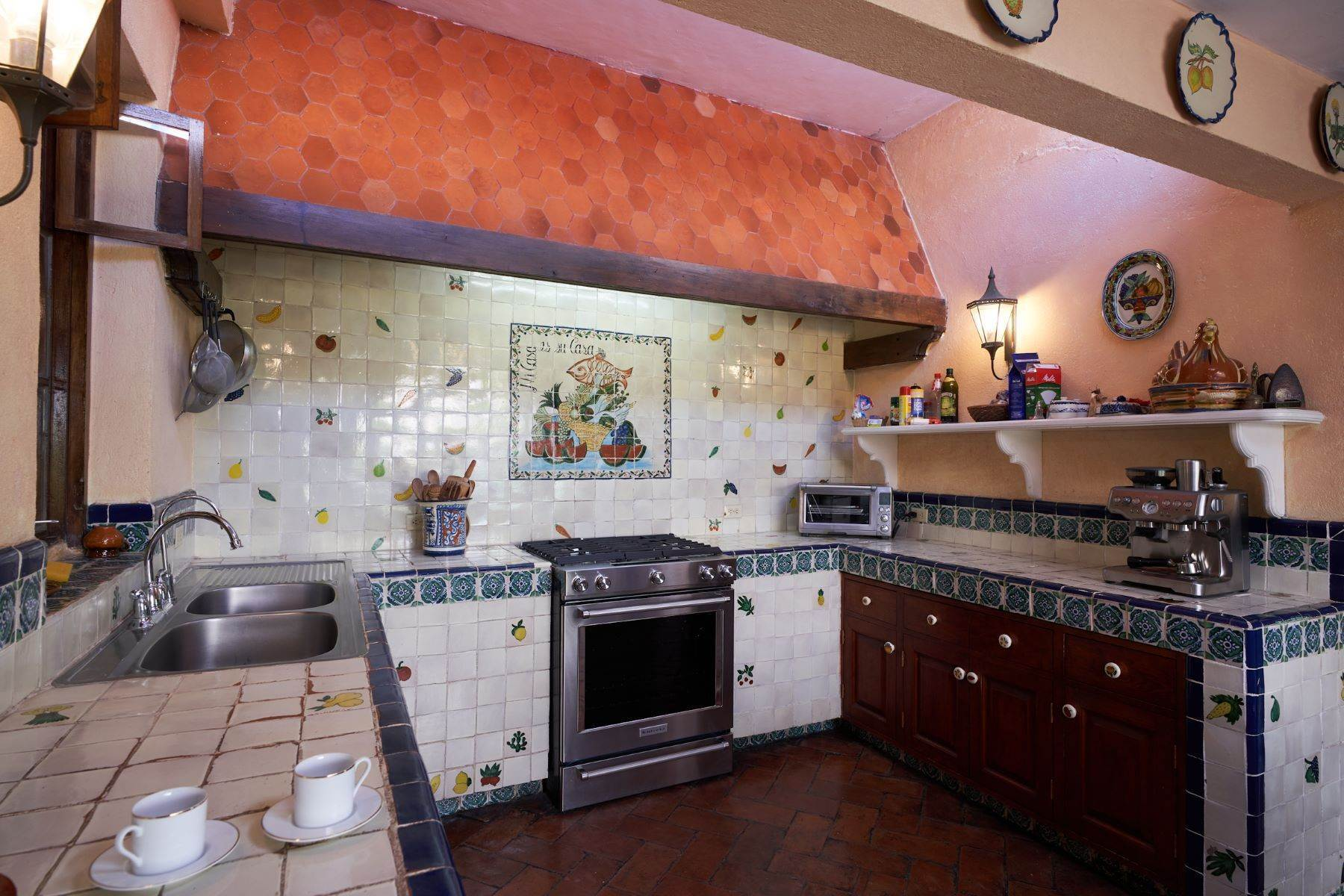 32. Single Family Homes for Sale at Casa de la Luz San Miguel De Allende, Guanajuato 37700 Mexico