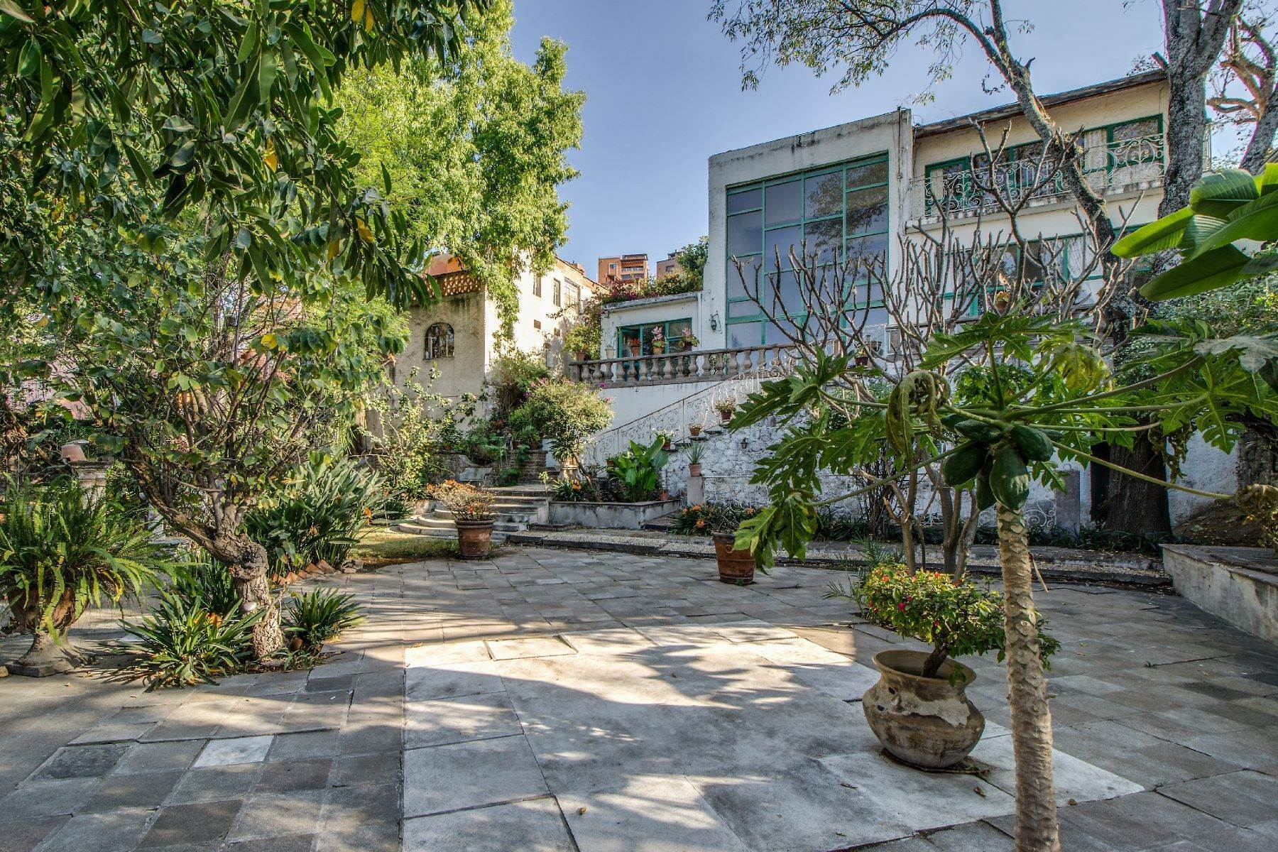 Single Family Homes for Sale at La Casa del Jardin Santo Domingo 12 San Miguel De Allende, Guanajuato 37700 Mexico
