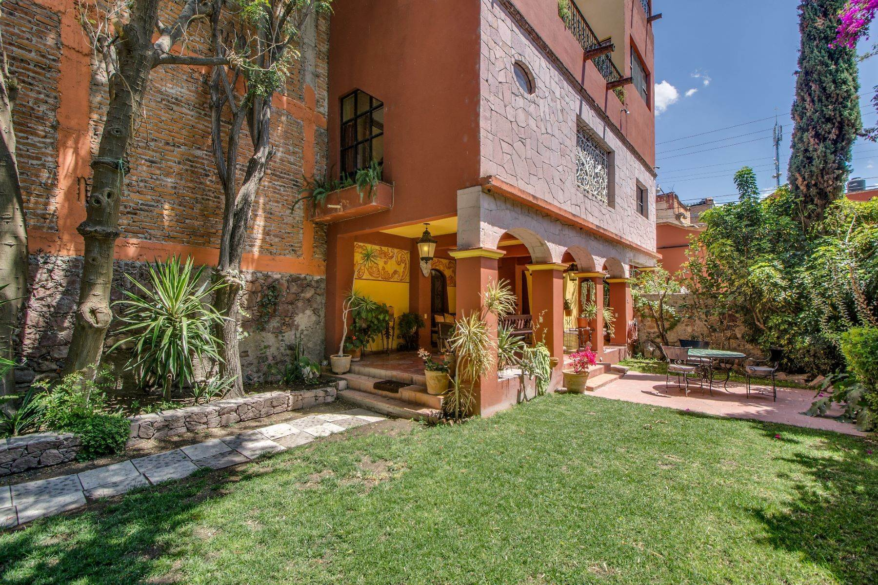 17. Single Family Homes for Sale at Casa Christina San Antonio, San Miguel De Allende, Guanajuato Mexico