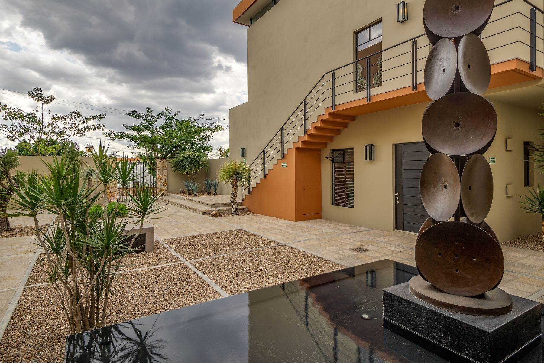21. Single Family Homes for Sale at Chimal Loft Miguel Araujo 1B San Miguel De Allende, Guanajuato 37700 Mexico