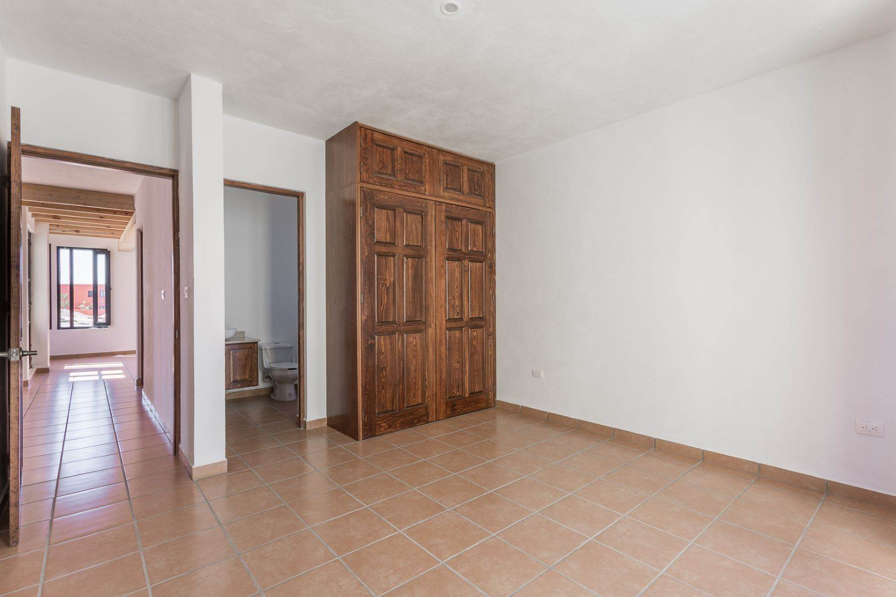 25. Single Family Homes for Sale at Villa Jardín Camino Norte, El Capricho San Miguel De Allende, Guanajuato 37700 Mexico