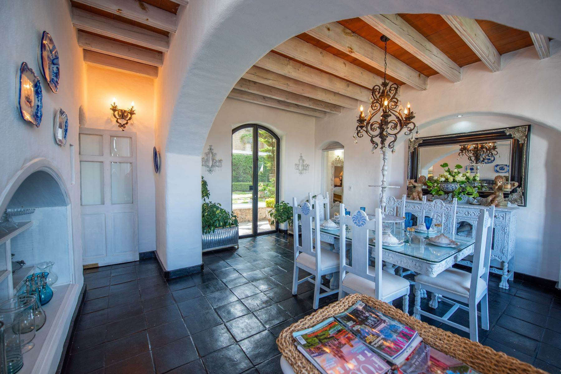 30. Single Family Homes for Sale at Casa Mi Besito Atascadero, San Miguel De Allende, Guanajuato Mexico