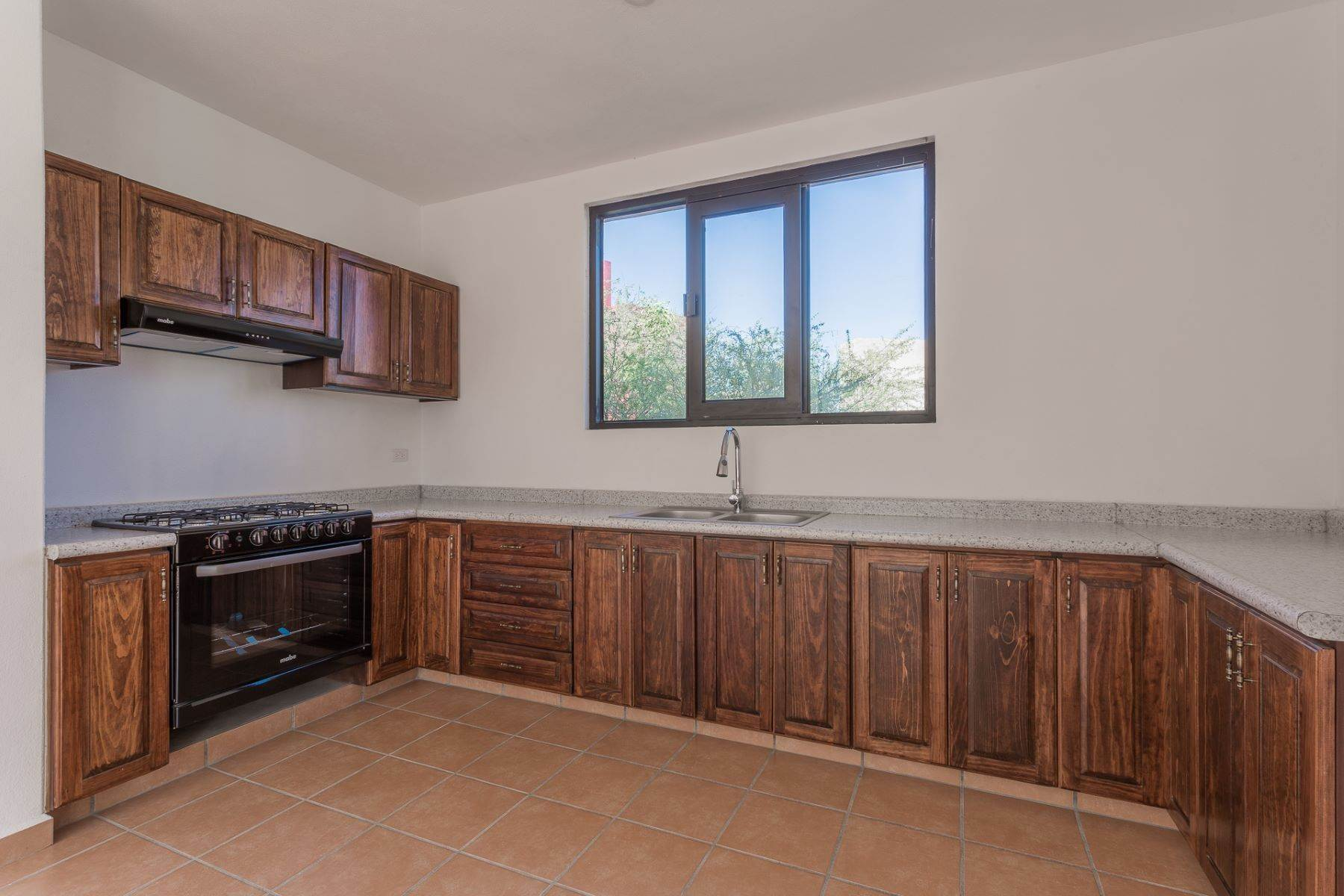 8. Single Family Homes for Sale at Villa Jardín Camino Norte, El Capricho San Miguel De Allende, Guanajuato 37700 Mexico