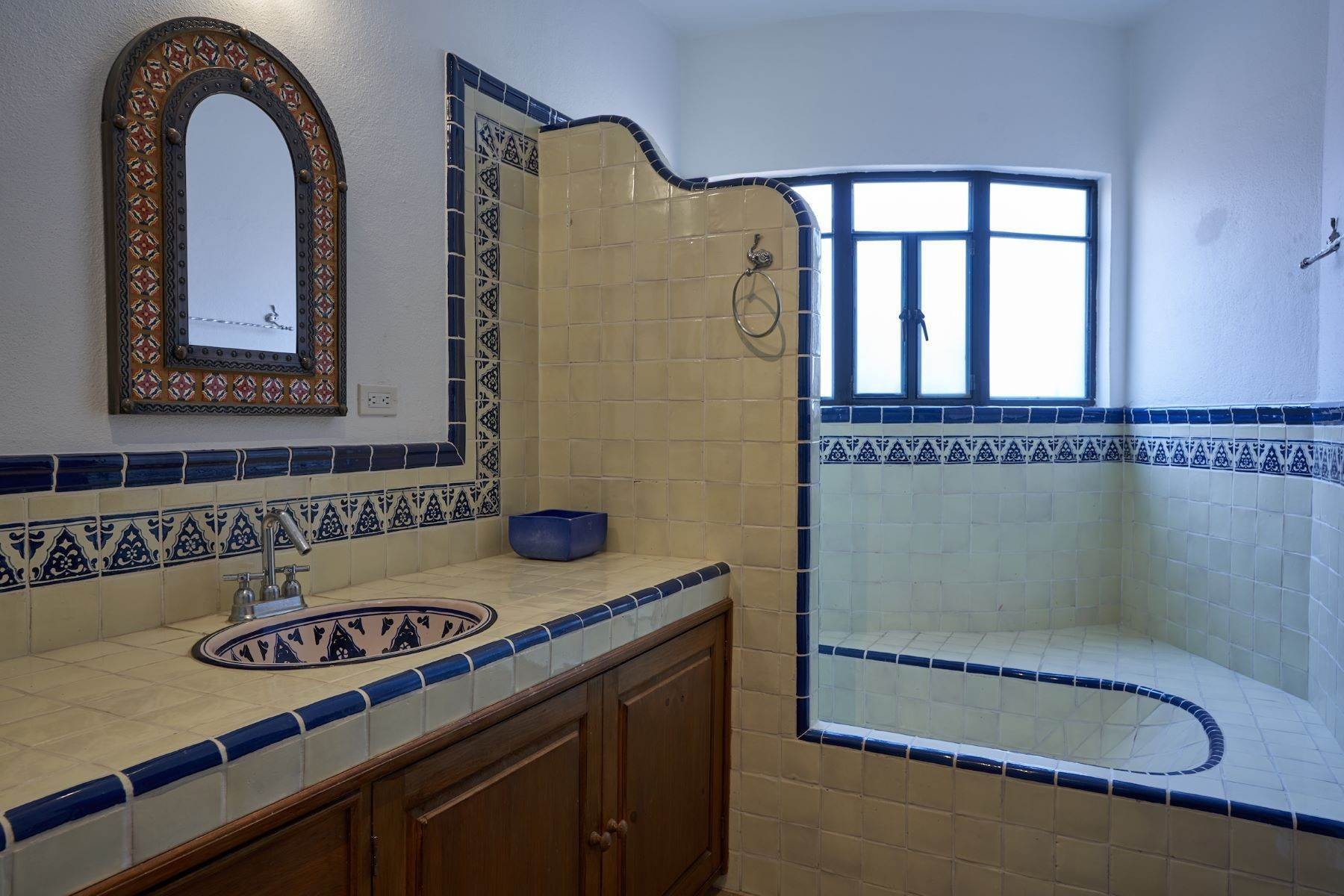 29. Single Family Homes for Sale at Casa Alameda San Miguel De Allende, Guanajuato 37750 Mexico