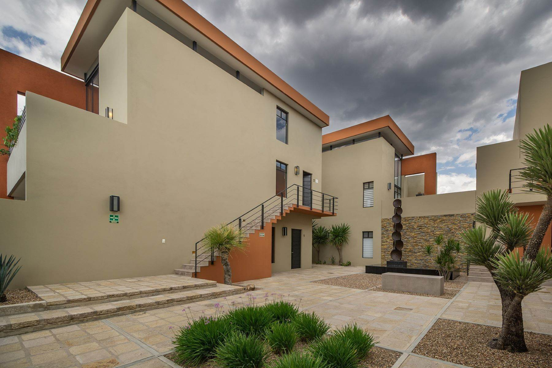 24. Single Family Homes for Sale at Chimal Loft Miguel Araujo 1B San Miguel De Allende, Guanajuato 37700 Mexico