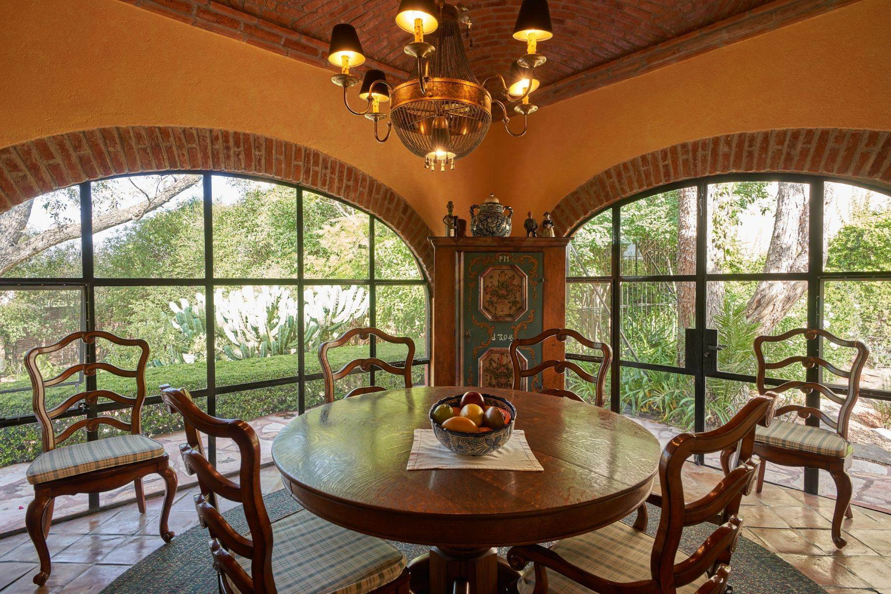 28. Single Family Homes for Sale at Casa de la Luz San Miguel De Allende, Guanajuato 37700 Mexico